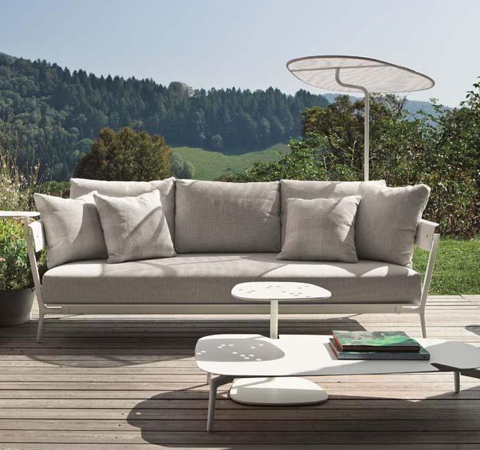 Divano aikana di fast in alluminio verniciato da calestani for Divani e divani vendita on line