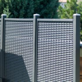 Portico in legno calestani for Grigliati in alluminio per terrazzi prezzi