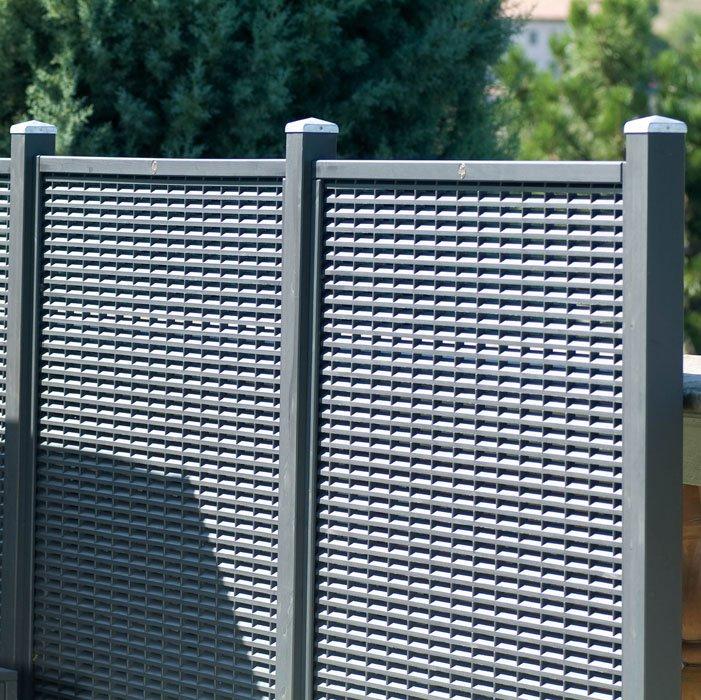 Grigliato in legno grecale calestani for Grate in legno per balconi