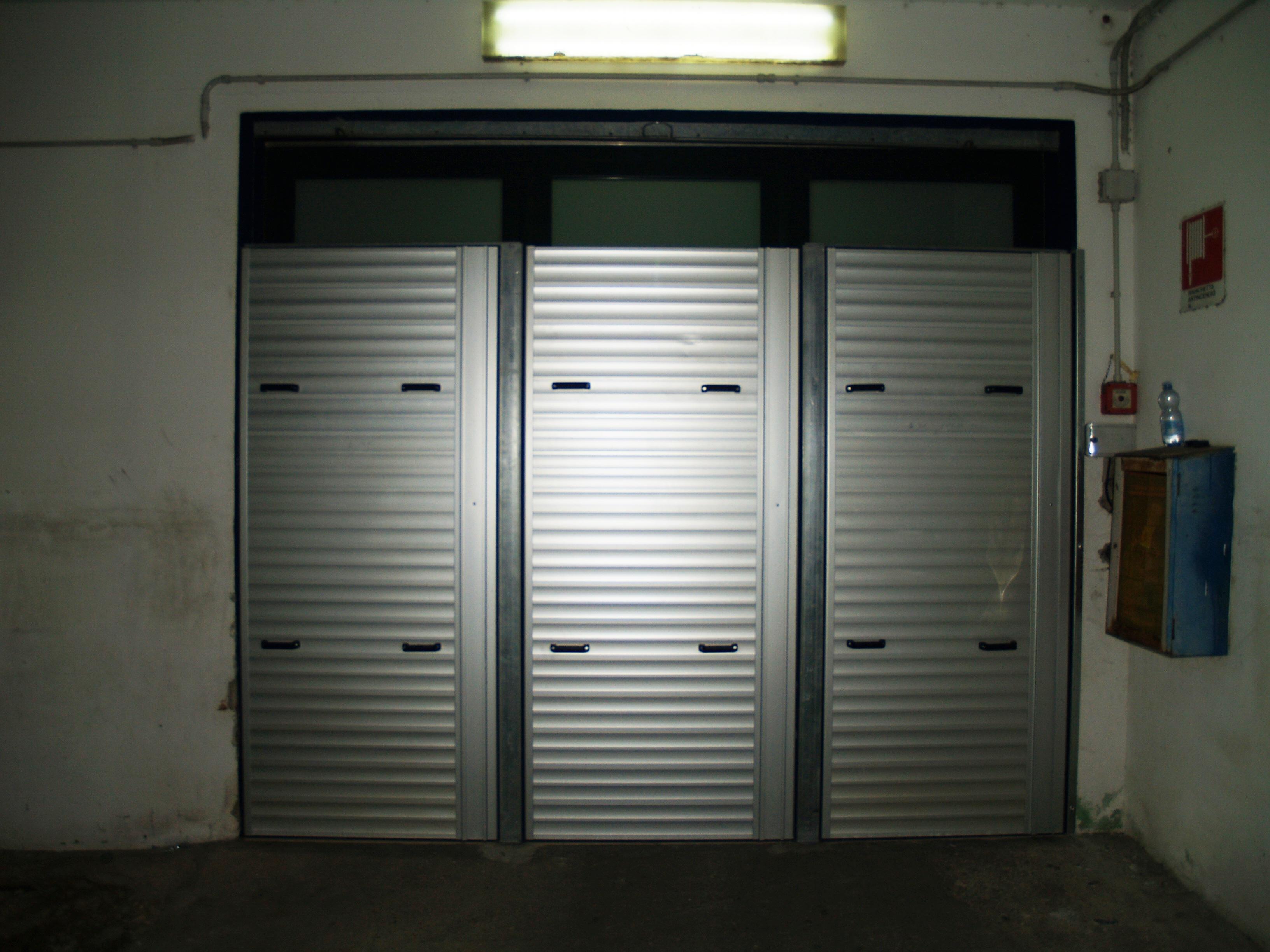 Barriera antiallagamento grandi dimensioni acquastop for Quali sono le dimensioni di un garage per due auto