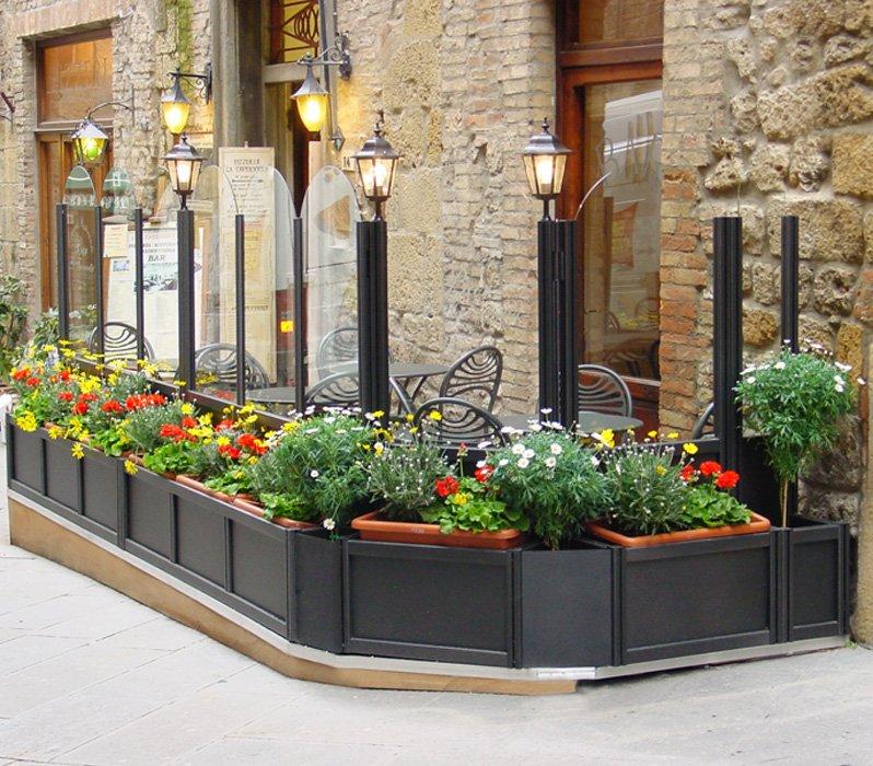 Paravento modulari in alluminio e vetro per bar e ristoranti for Arredamento esterno bar