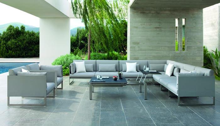 Divani diversi in salotto idee per il design della casa - Salotto da giardino ikea ...