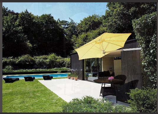 Ombrellone paraflex a muro di umbrosa con copertura for Vendita arredi da giardino
