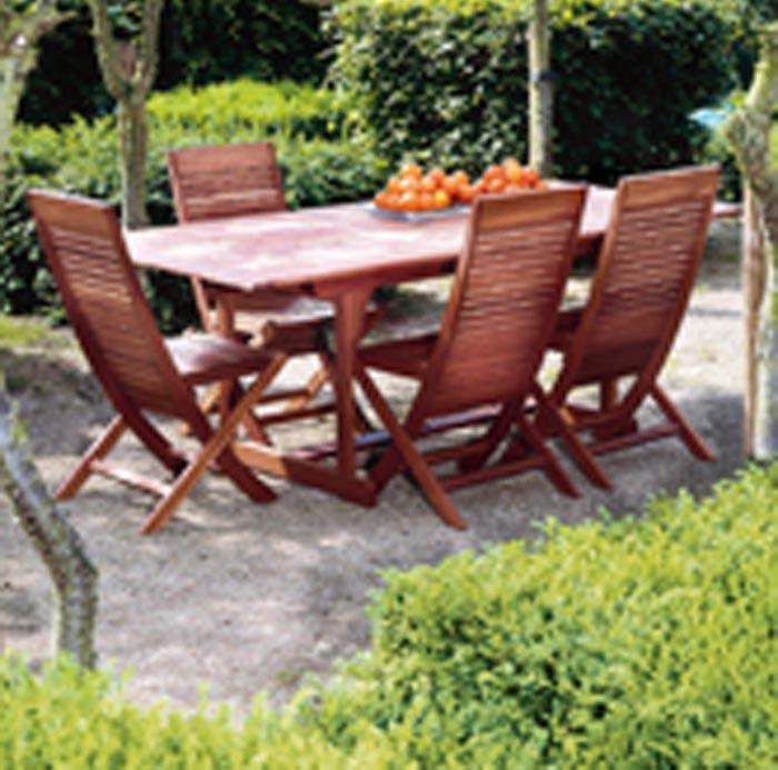 Tavolo e poltrone in legno calestani for Poltrone online shop