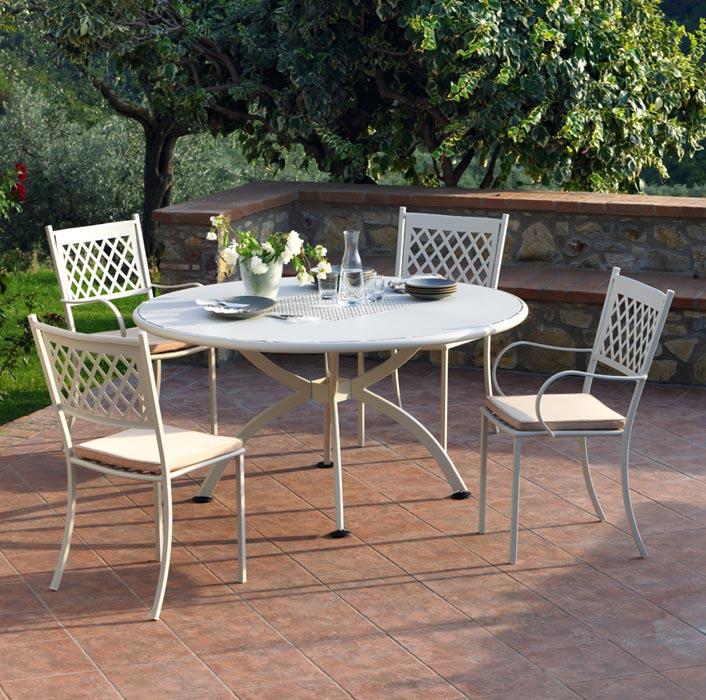 Tavolo valentino allungabile in ferro trattato per esterno for Tavoli e sedie per giardino
