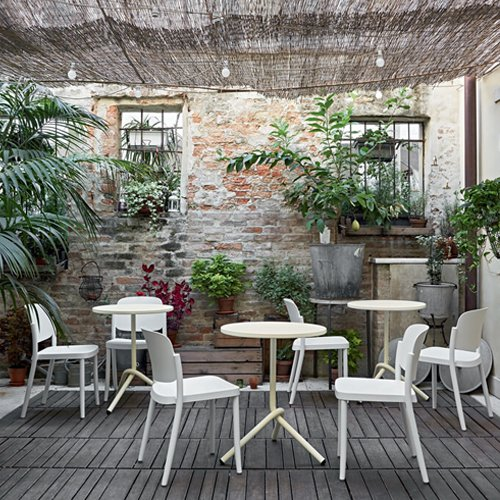 Sedia piazza impilabile in polipropilene da esterno a parma for Vendita arredi da giardino