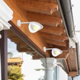 lampada riscaldante a parete