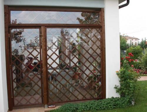 Grigliato in legno con policarbonato trasparente